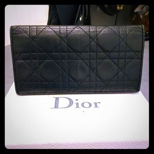 Dior long wallet canage leather.